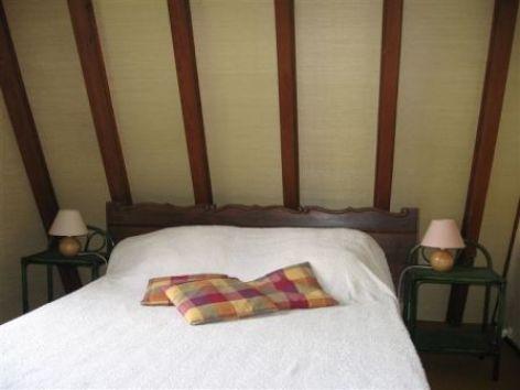 2-chambre1-faure-beaucens-HautesPyrenees.jpg