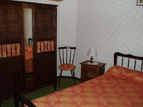 2-chambre2-faveau-argelesgazost-HautesPyrenees.jpg.JPG