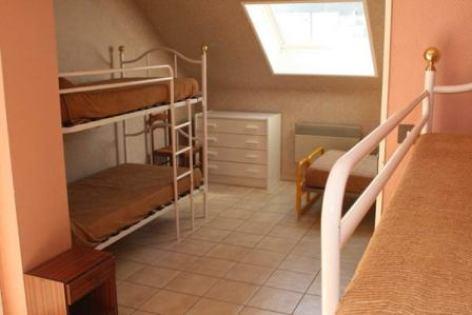 4-chambre2-cardy-argelesgazost-HautesPyrenees.jpg.jpg