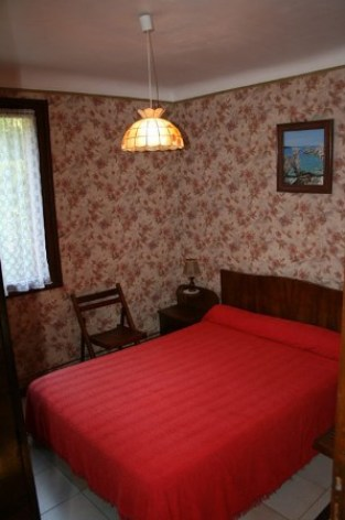 1-chambre2-llodralucrecia-laubalagnas-HautesPyrenees.jpg.jpg