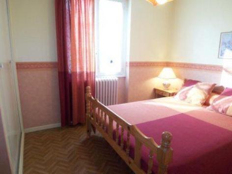 3-chambre-abbadiecapacite61etage-agosvidalos-HautesPyrenees.jpg.jpg