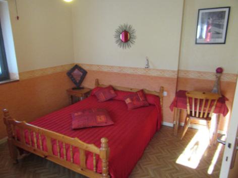 2-chambre-abbadie-agosvidalos-HautesPyrenees.jpg