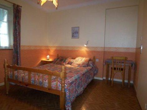 3-chambre-abbadiecapacite4-52etage-agosvidalos-HautesPyrenees.jpg.jpg