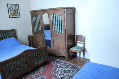 3-chambre-hourcastagnou-argelesgazost-HautesPyrenees.jpg