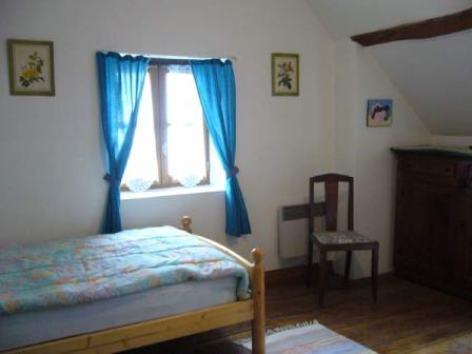 3-chambre-dubau-salles-HautesPyrenees.jpg.jpg