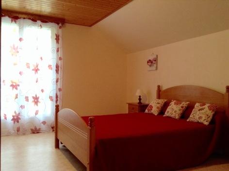 2-LIE-chambre2-beaucens-HautesPyrenees.jpg