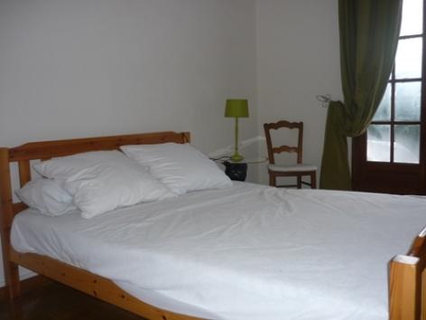 4-chambre2-orceau-ayzacost-HautesPyrenees.jpg.JPG