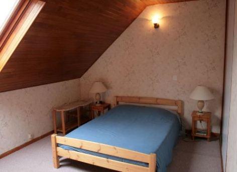 4-chambre1-bonmartin-prechac-HautesPyrenees.jpg