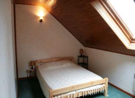 5-chambre2-bonmartin-prechac-HautesPyrenees.jpg