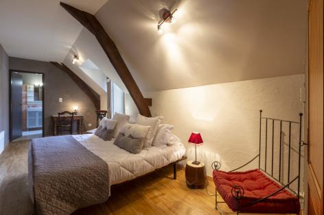 3-Lourdes-Bartres-chambres-d-hotes-La-Ferme-LAURENS--1-.jpg