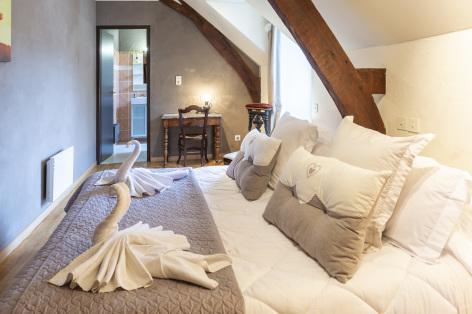 7-Lourdes-Bartres-chambres-d-hotes-La-Ferme-LAURENS--10-.jpg