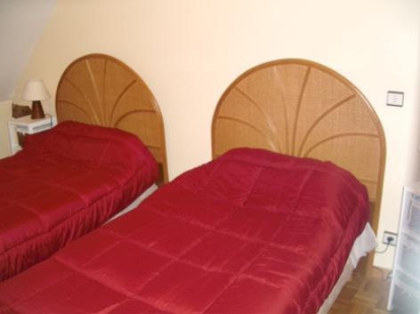 4-chambre2-theil-esterre-HautesPyrenees.jpg