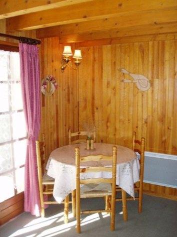 3-dining-corner.JPG