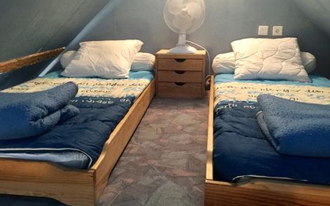 6-E-chambre-pecquery-gedre-HautesPyrenees.jpg