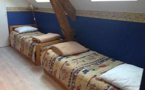6-F-chambre2-pecquery-gedre-HautesPyrenees.jpg