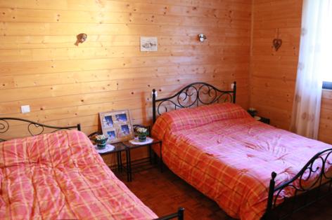 4-D-chambre2-sabatut-gedre-HautesPyrenees.jpg