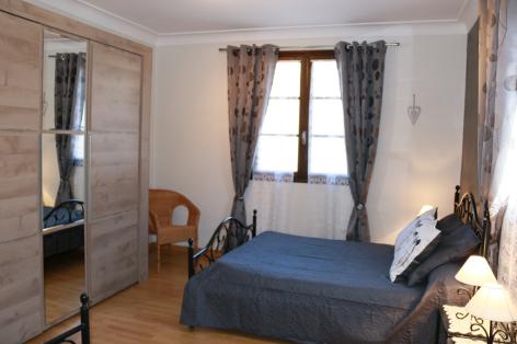 5-E-chambre1-sabatut-gedre-HautesPyrenees.jpg