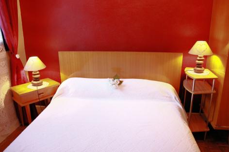 8-H-chambre4-sabatut-gedre-HautesPyrenees.jpg