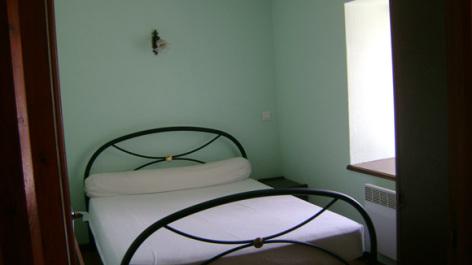 5-chambre-trescazes-sazos-HautesPyrenees-2.jpg