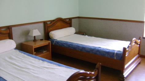5-chambre2-trescazes-sazos-HautesPyrenees-2.jpg