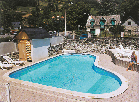 11-piscine-theil-esterre-HautesPyrenees.jpg