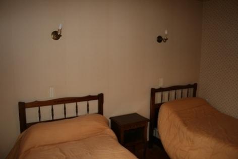 3-VLG312---Maison-Mme-ESCLARMONDE---chambre2.jpg