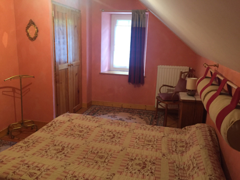 10-10-chambre-soubirous-gavarnie-HautesPyrenees.jpg
