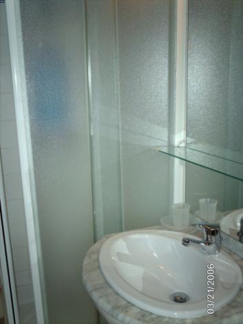4-METZGER---salle-d-eau.JPG