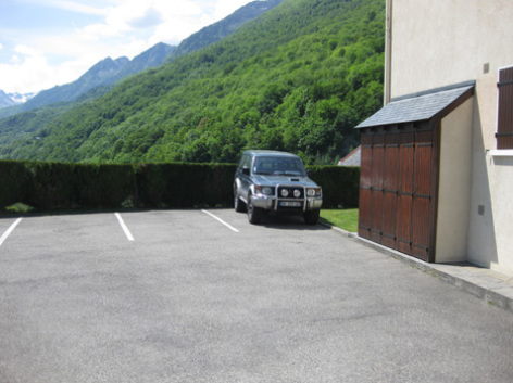 8-parking1-borderolle-sazos-HautesPyrenees-2.jpg