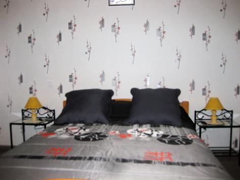 6-chambre-borderolle-sazos-HautesPyrenees.jpg
