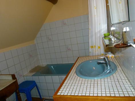 7-salle-bains-3.JPG