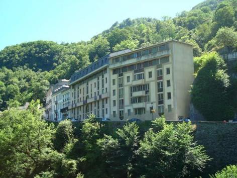 0-Location-studio-hautes-pyrenees-HLOMIP065FS00C3L-g.jpg