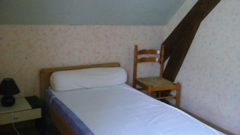 5-chambre-trescazes-sazos-HautesPyrenees-3.jpg