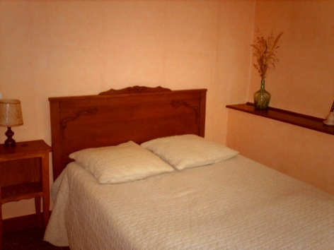 4-CUEL-Francoise---Chambre-2-autre-vue-BD.jpg