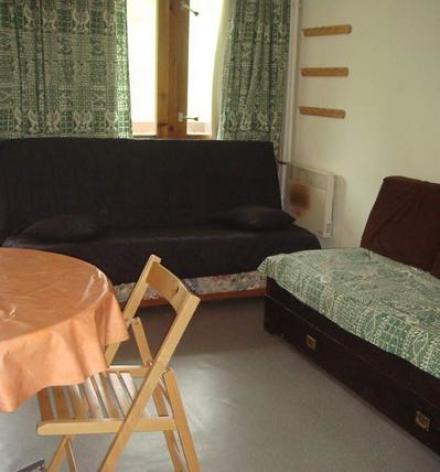 0-Location-studio-hautes-pyrenees-HLOMIP065FS00C9N-g.jpg