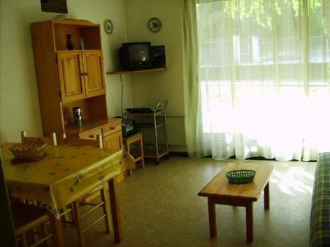 0-Location-studio-hautes-pyrenees-HLOMIP065FS00CC4-g.jpg