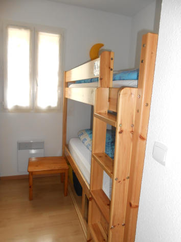 4-chambre2-boulogne-esquiezesere-HautesPyrenees.jpg