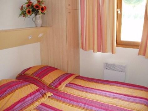 5-chambre-peffabet-arcizansavant-HautesPyrenees.jpg
