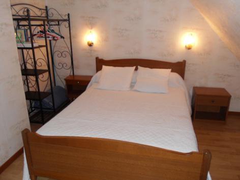 5-chambre4-noguezyveline-ouzous-HautesPyrenees.jpg