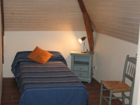 6-chambre2viscos-hemadou-agosvidalos-HautesPyrenees.jpg