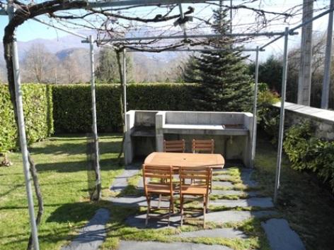 8-terrasse-habatjou1-ayzacost-HautesPyrenees.jpg