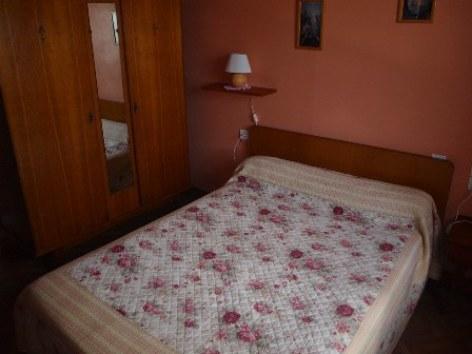 3-chambre2-broueilh-beaucens-HautesPyrenees.jpg.jpg