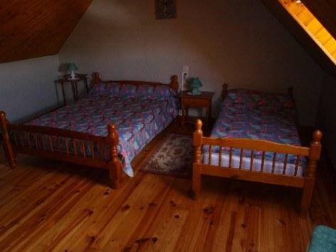 4-chambre3-broueilh-beaucens-HautesPyrenees.jpg.jpg