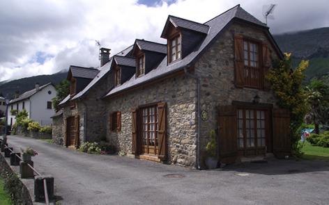 1-facade-lousteau-sereenlavedan-HautesPyrenees.jpg