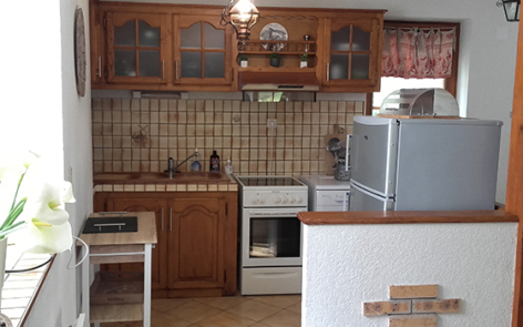 3-cuisine-lousteau-sereenlavedan-HautesPyrenees.jpg