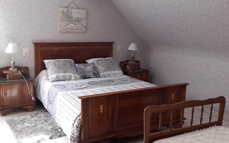 5-chambre2-lousteau-sereenlavedan-HautesPyrenees.jpg