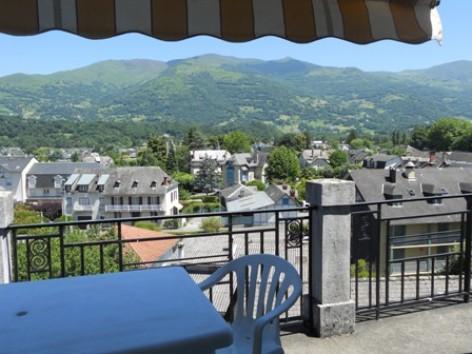1-terrasse-gueguenespiet2etage-argelesagazost.jpg-HautesPyrenees.JPG