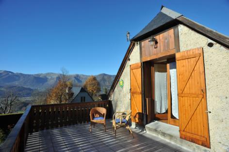 5-terrasse-catel-vierbordes-HautesPyrenees.jpg