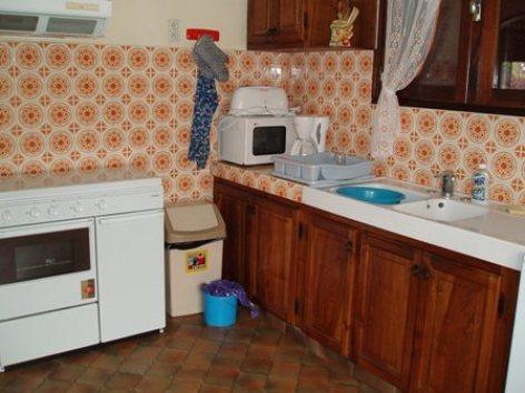 2-cuisine-lacrampe-agosvidalos-HautesPyrenees.jpg