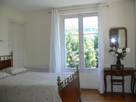 4-chambre1-fouilland-argelesgazost-HautesPyrenees.jpg
